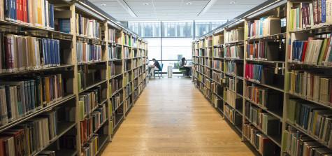 hyllor biblioteket