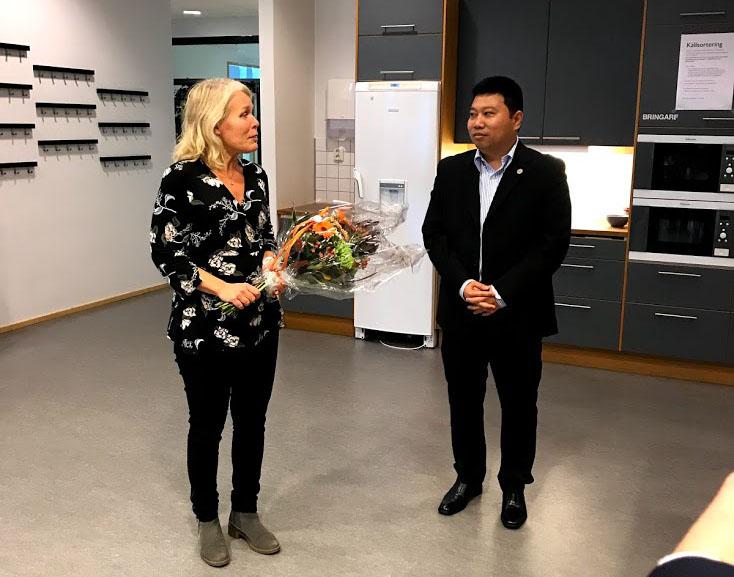 Foto på Prefekt Vanja Lindberg och Viet Thuy Vu
