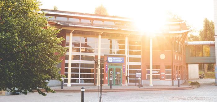 Foto på entrén till BTH:s utbildnings- och forskningsklinik