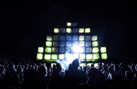 Foto på scenen i campusfestivalen